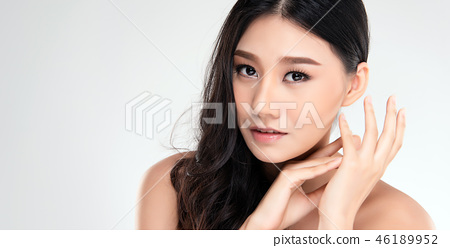 Beautiful Young asian Woman with Clean Fresh Skin 46189952