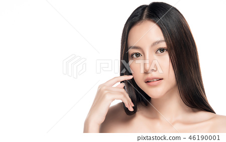Beautiful Young asian Woman with Clean Fresh Skin 46190001