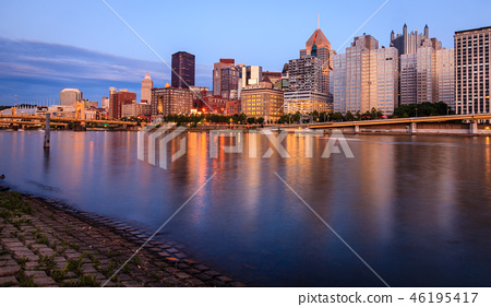 Pittsburgh skyline and the Allegheny River 46195417