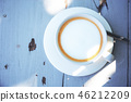 Coffee cup with sunlight. 46212209