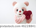 與心臟的服裝熊貓逗人喜愛的白色後面姿勢 46228841