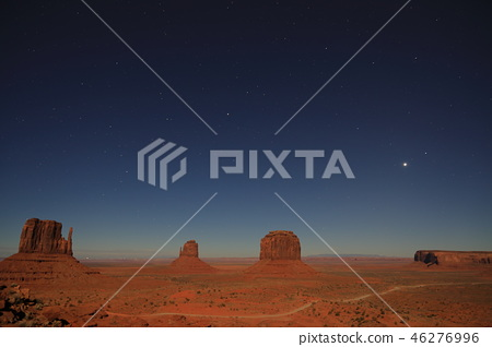 Night view and full moon from the sunset view of Monument Valley 46276996