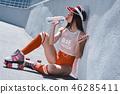 girl drink roller 46285411