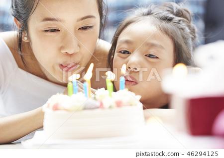 父母和孩子的生活方式生日 46294125