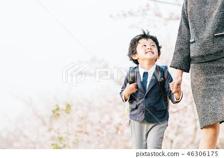 櫻花和母親和孩子 46306175