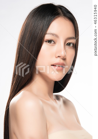 Beautiful Young asian Woman with Clean Fresh Skin 46315940