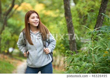 젊은여자, 대학생,한국,여행, 자연, 숲속 46326495