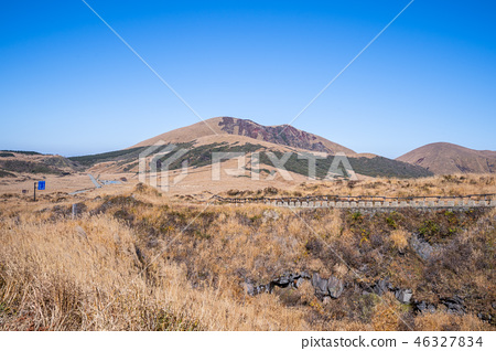 日本 九州 阿蘇 火山 芒草 熊本 aso mountain volcano 46327834