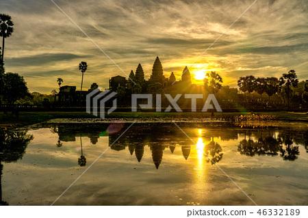 柬埔寨吴哥窟日出 46332189