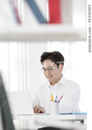 한국인,비즈니스,남자 46340465