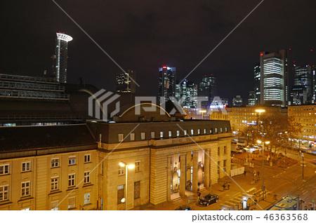 法蘭克福中央車站在晚上 46363568