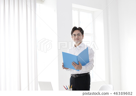 한국인,비즈니스,남자 46389602