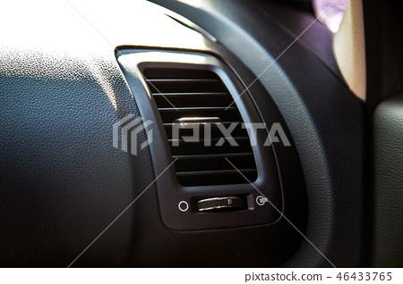 Automobile air conditioner tuyere 46433765