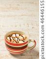 뜨거운 코코아 우유 Hot chocolate drink 46446155