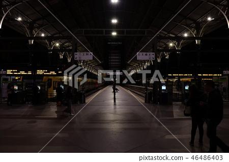 기차역의밤 46486403
