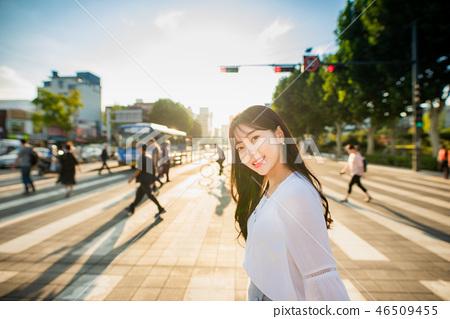 여자 여성 대학생 소녀 귀여움 도시 낭만 여유 나들이 소풍 46509455