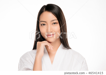 Beautiful Young asian Woman with Clean Fresh Skin 46541415