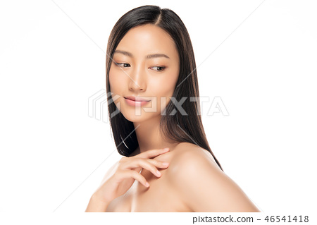 Beautiful Young asian Woman with Clean Fresh Skin 46541418