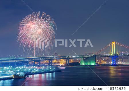 彩虹彩虹橋和煙花 46581926