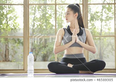 女子運動服瑜伽 46589305