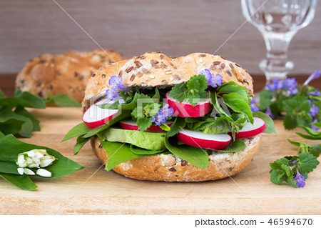Vegetarian burger with ground-ivy, wild garlic etc 46594670