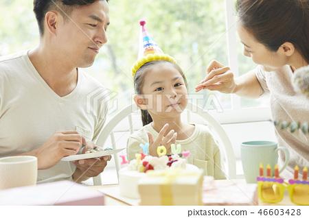 家庭生活方式生日 46603428