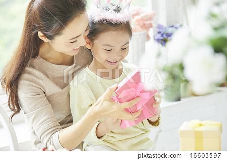 家庭生活方式生日 46603597