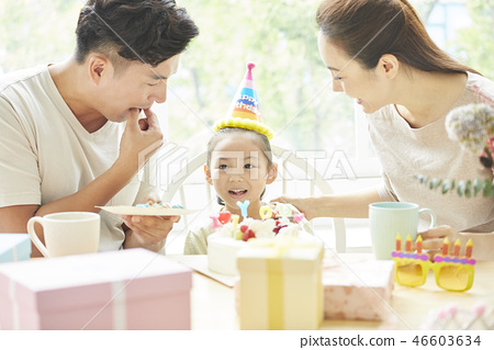 家庭生活方式生日 46603634
