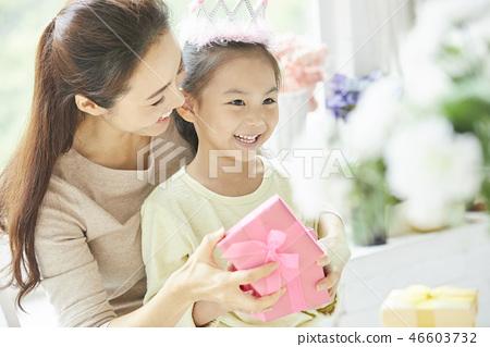 家庭生活方式生日 46603732