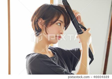 做頭髮的婦女設置了捷徑 46604889