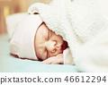 newborn baby 46612294