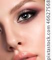 woman makeup eyeshadow 46627568