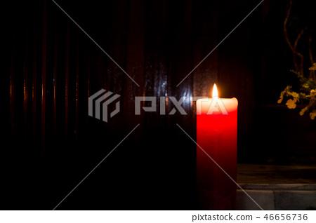 普通燃燒的蠟燭,宗教學校的牧師。 46656736