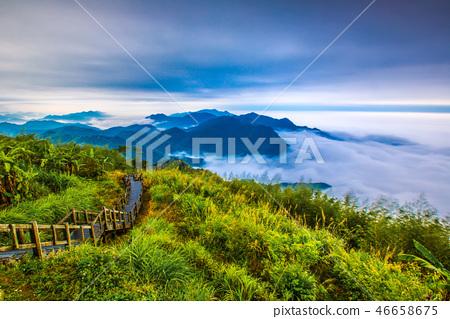 阿里山頂石槕雲海Asia, Taiwan, Alishan Cloud 46658675