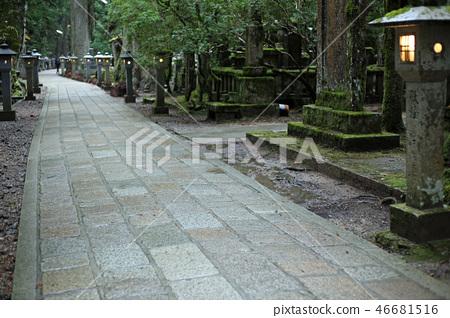 Mr. Jizo of Konosan Okunoin approach to the evening 46681516