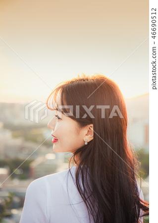 여성, 여자, 여대생, 노을, 석양 , 햇살, 해질녘, 나들이,  46690512