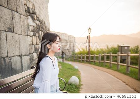 여성, 여자, 여대생, 노을, 석양 , 햇살, 해질녘, 나들이,  46691353