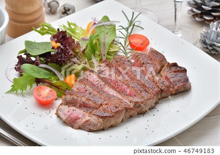 日本黑牛肉日本牛肉片(魚片)牛排(生肉)。來自靜岡縣的黑毛和牛牛肉。 46749183