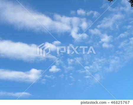 Blue sky and white cloud of inage coast 46825767