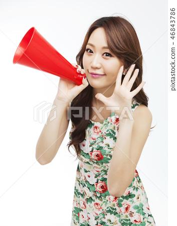 젊은여자 46843786