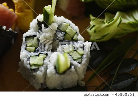 sushi roll, cucumber, cucumbers 46860551