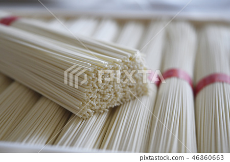 somen, thin wheat noodles, japanese noodles made of wheat flour 46860663