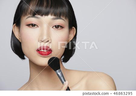 女性美容系列颜色背部化妆 46863295
