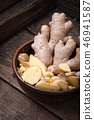 Whole and sliced ginger 46941587