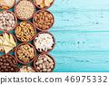 Mix of snacks 46975332