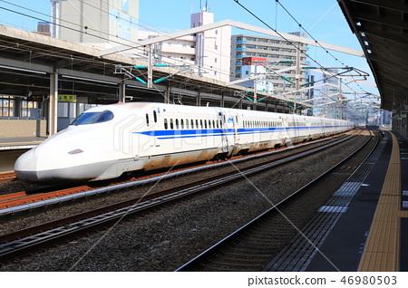 與哨子一起跑的新幹線 46980503
