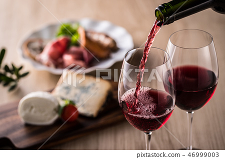 레드 와인을 부어 46999003