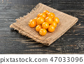 Ripe berries physalis 47033096