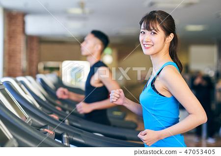 跑步機的女人 47053405