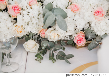 wedding flowers bride bouquet 47061067